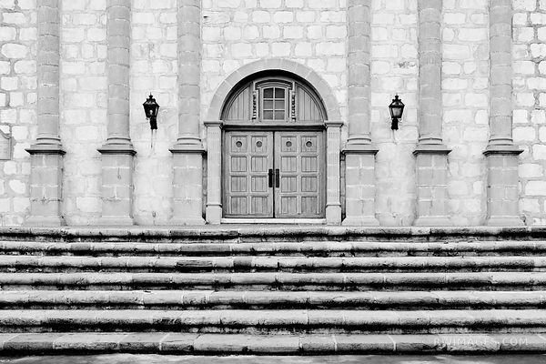 OLD MISSION STAIRS SANTA BARBARA CALIFORNIA BLACK AND WHITE