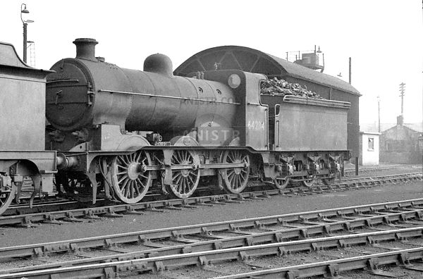 PHOTOS OF EX-LNER J6 CLASS 0-6-0 STEAM LOCO