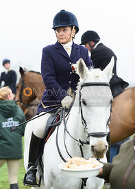 Jo Rutter At the meet. The Cottesmore and The Pytchley at Downton House