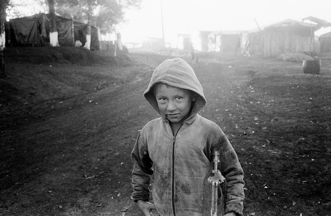 Brazil - Parana - A child at dawn at the Movimentodos Trabalhadores Rurais Sem Terra camp