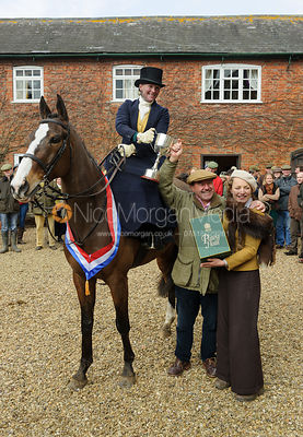 Lizzie Harris with Brian Henton and Lady Martha Sitwell - Dianas of the Chase - Side Saddle Race 2014.