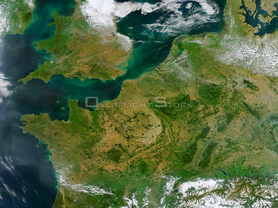 EARTH Western Europe -- 13 Sep 2002 -- This true-color MODIS image showcases Northern Europe. Shown are the United Kingdom, t...