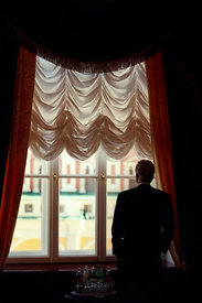 President William Clinton waits to meet with Russian President Vladimir Putin at the Kremlin.