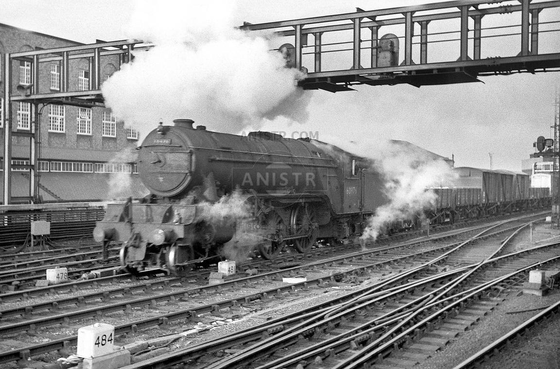 Steam loco V2 60976 Newcastle