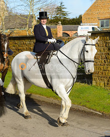Chloe Edgar arriving at The Cottesmore meet at Priory Farm