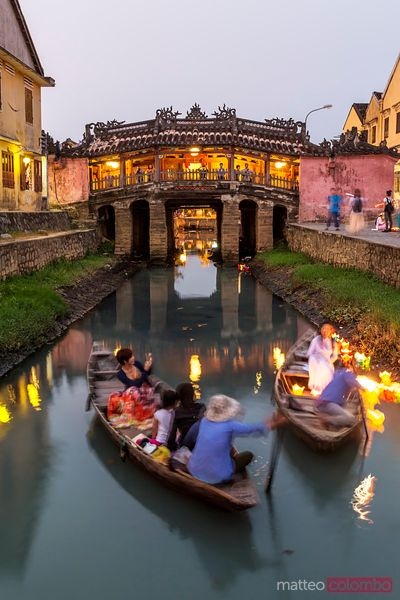 Vietnam, Hoi An. Japanese covered bridge at dusk