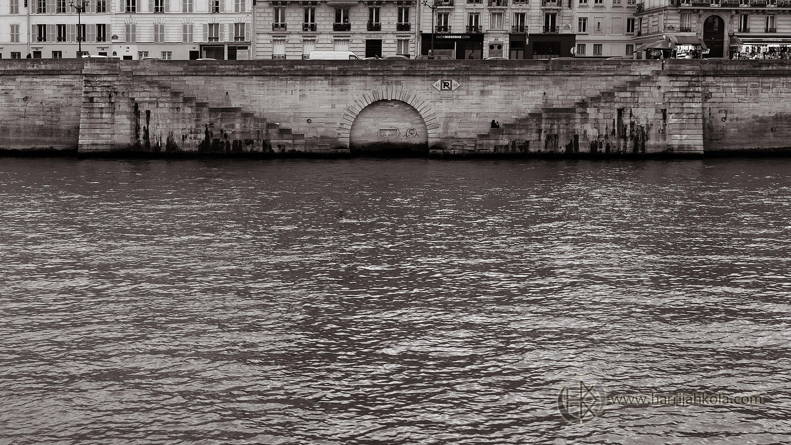 France - Paris (Seine - Arch)