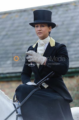 Amy Jane Bryan - Dianas of the Chase - Side Saddle Race 2014.