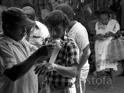 Some first aid in the Merida market