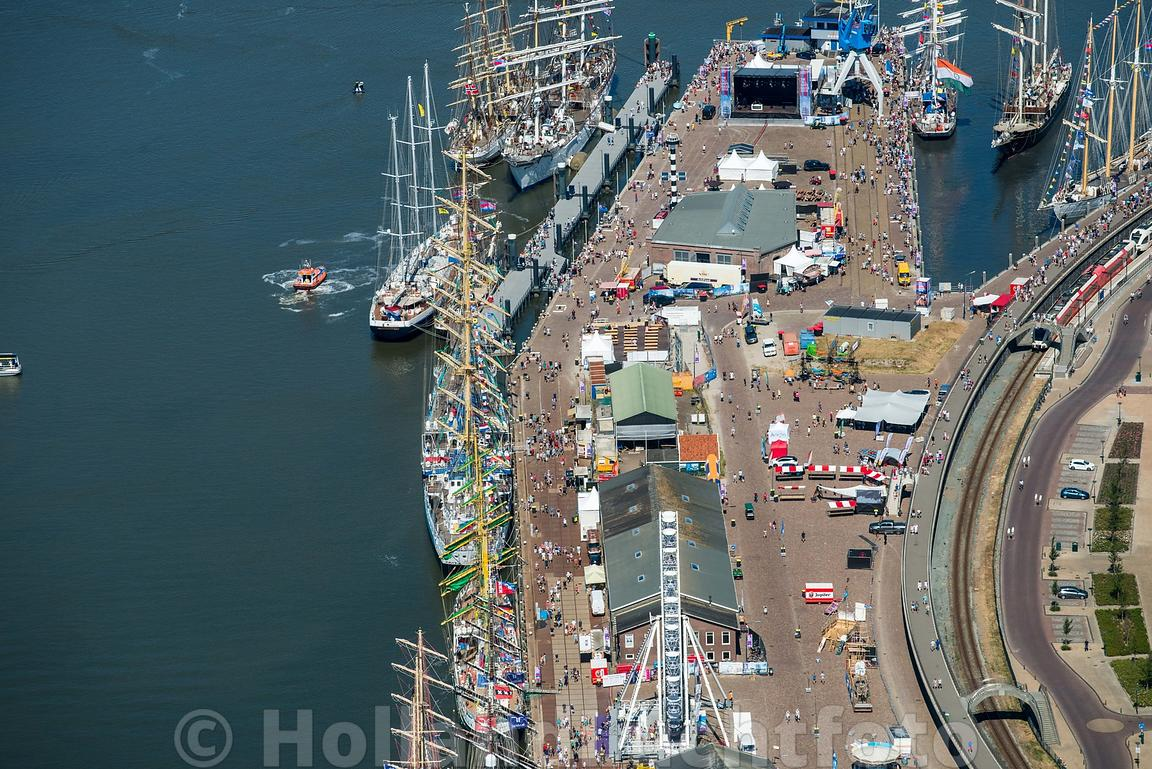 Harlingen - Luchtfoto Tall Ships Races 17