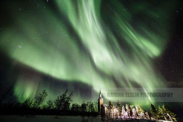 Northern Lights above the church in Utsjoki