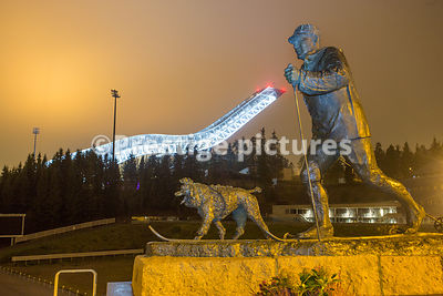 King Olav V statue by the Oslo ski jump