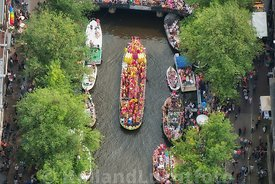 Amsterdam - Luchtfoto Canal Parade 25