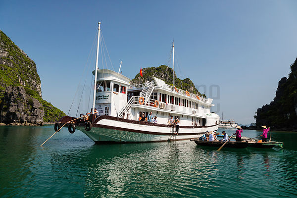 Houseboat in Halong Bay