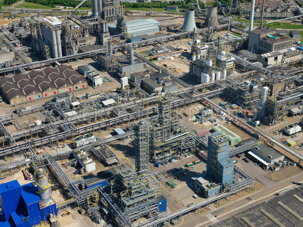 aerial view   Geleen, close up of chemical installations of