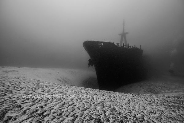 Hai Siang wreckage in black and white