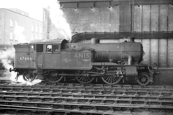 PHOTOS OF EX-LNER V1 CLASS 2-6-2T STEAM LOCOS