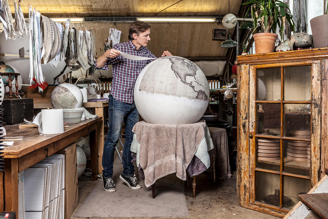 UK - London - Peter Bellerby, Bellerby and Co. Globemakers