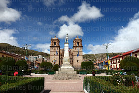 Cathedral and monument to Colonel Francisco Bolognesi, Plaza de Armas, Puno, Peru