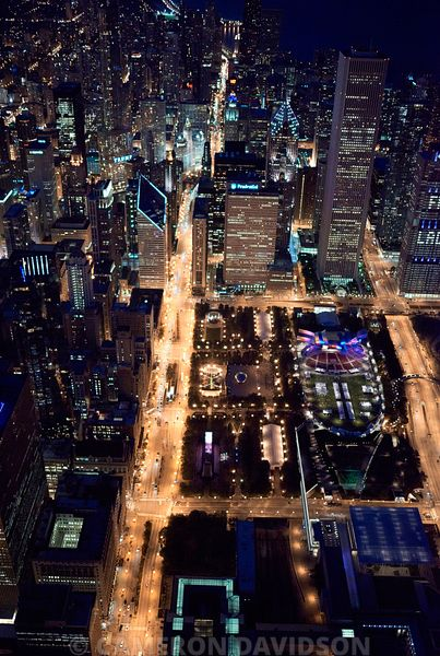 Aerial photo of downtown Chicago, Illinois at night