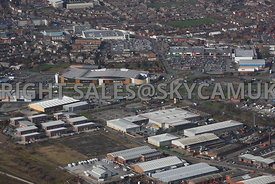 Widnes aerial photograph looking across Widnes Trading Estate and B & Q Dennis Road towards Ashley Retail Park and the town c...