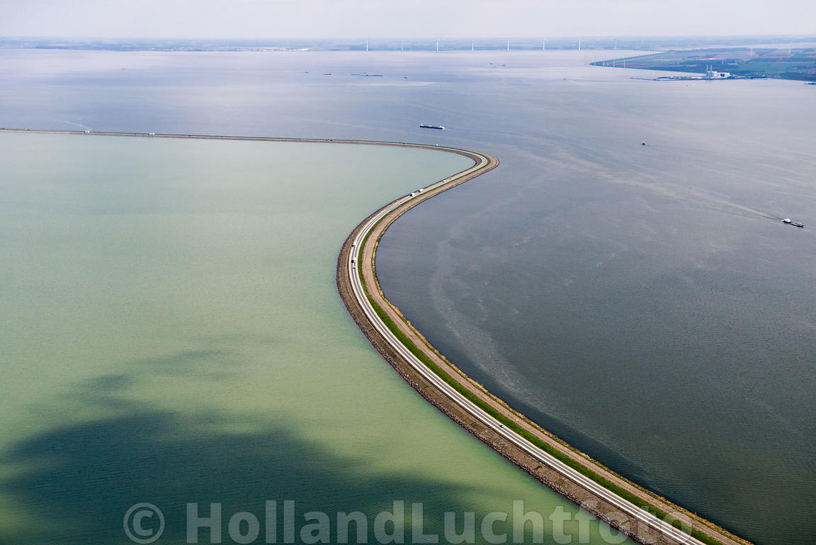 Luchtfoto_Lelystad_Houtribdijk-1_xgaplus.jpg