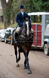 Holly Campbell - The Quorn Hunt at Centaur Stud, Cold Newton 18/11/11.