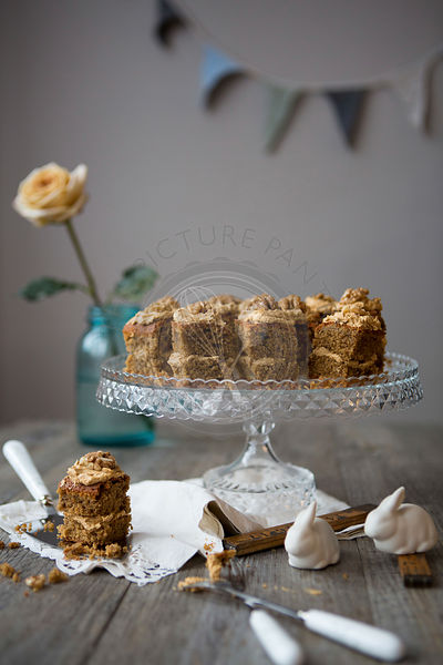 Walnut & Coffee Mini Cakes on Cake Stand