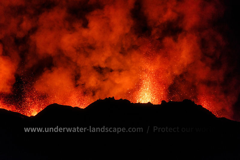 Volcanic eruption - la reunion volcano
