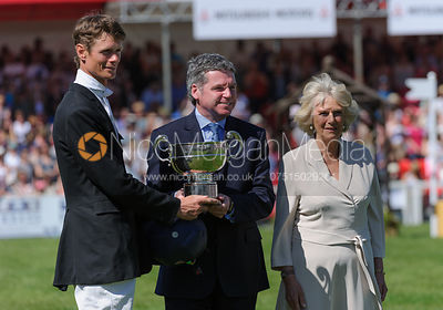 William Fox-Pitt receives his prize from the Duchess of Cornwall - show jumping phase,  Mitsubishi Motors Badminton Horse Tri...