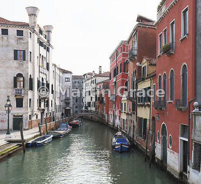 Rio del Mendicanti looking SSE from Ponte Cavallo, Venice, Italy