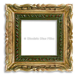 Wooden frame frame carved in gold and green