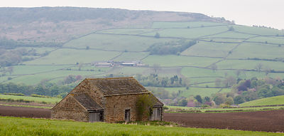 Old barn near Hassop