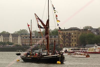 The Hydrogen in The Thames River Pageant