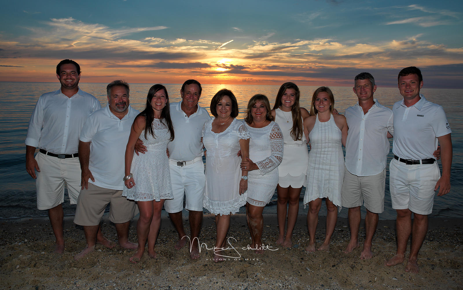 D_Grooters_Family_Beach_crop_nik_0224