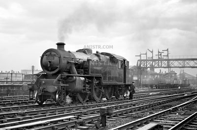 Steam loco Fairburn 4MTT 42146 Derby