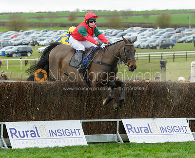 LOVE MANHATTAN (Tom Chatfeild-Roberts) - Race 1 - Members - The Cottesmore Point-to-point 26/2