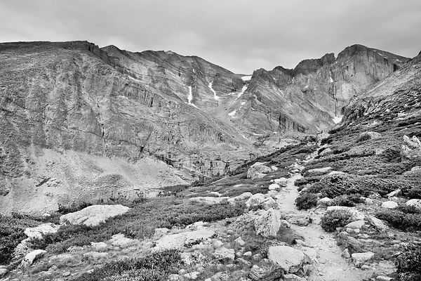 CHASM LAKE TRAIL ROCKY MOUNTAIN NATIONAL PARK COLORADO BLACK AND WHITE