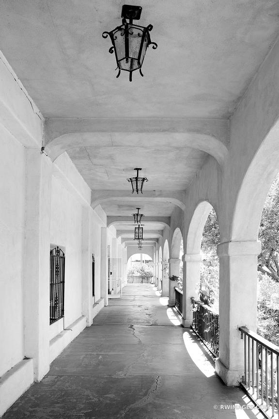 SOUTHWESTERN ARCHITECTURE HISTORIC OLD TOWN  ALBUQUERQUE NEW MEXICO BLACK AND WHITE VERTICAL
