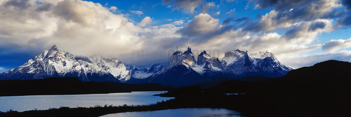 Lake Pehoe and the Cuernos del Paine