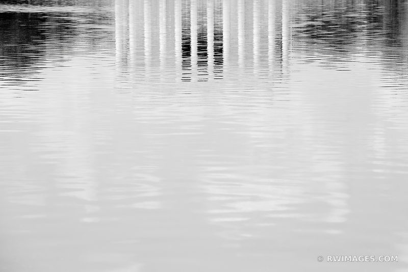 LINCOLN MEMORIAL REFLECTING POOL WASHINGTON DC BLACK AND WHITE