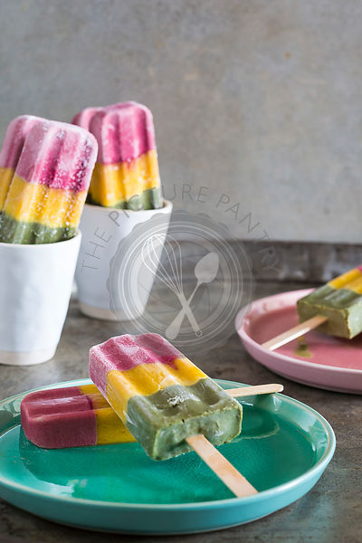 Healthy Traffic Light Iceblocks made with Beetroot Latte Powder, Tumeric Powder & Green Matcha Tea powder.