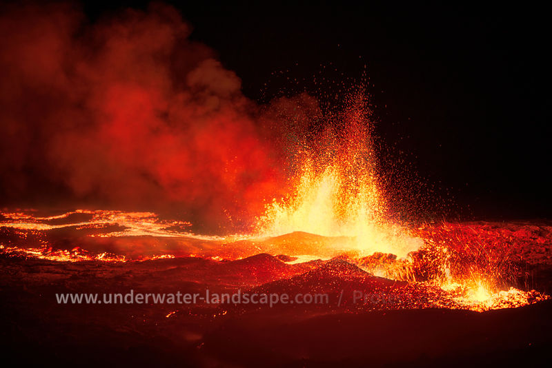 Piton de la fournaise - Lava fountain