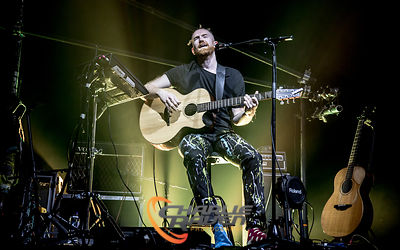 Newton Faulkner performing in Bournemouth