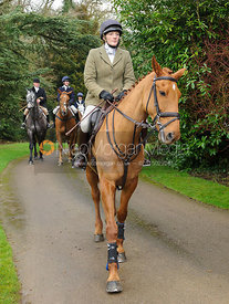 Jodie Parr arriving at the meet - The Cottesmore Hunt at Little Dalby 7/2