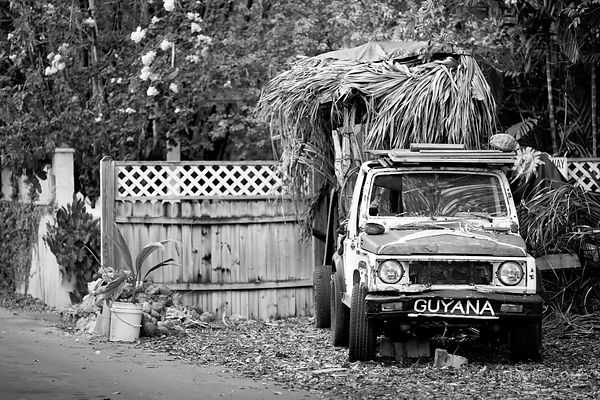 KEY WEST BLACK AND WHITE