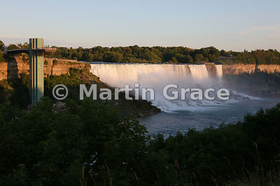 American and Bridal Veil Falls with Goat Island (USA) beyond, in evening sunlight, Niagara Falls, New York, USA, photographed...