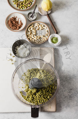 Blender and ingredients for Pistachio snack balls