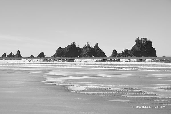 SEASTACKS SHI SHI BEACH POINT OF THE ARCHES PACIFIC NORTHWEST OLYMPIC NATIONAL PARK BLACK AND WHITE