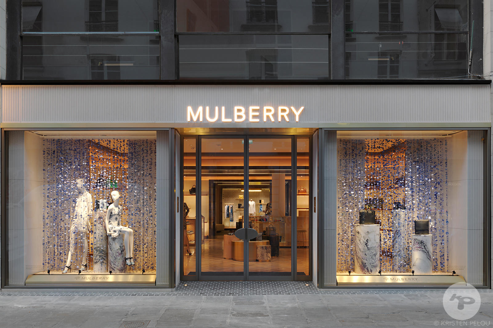 Retail architecture photographer - Mulberry flagship store in  Paris by Universal Design Studio. Photo ©Kristen Pelou